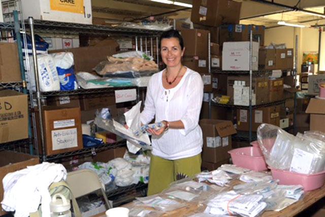 healthcare-charities-inc_volunteer